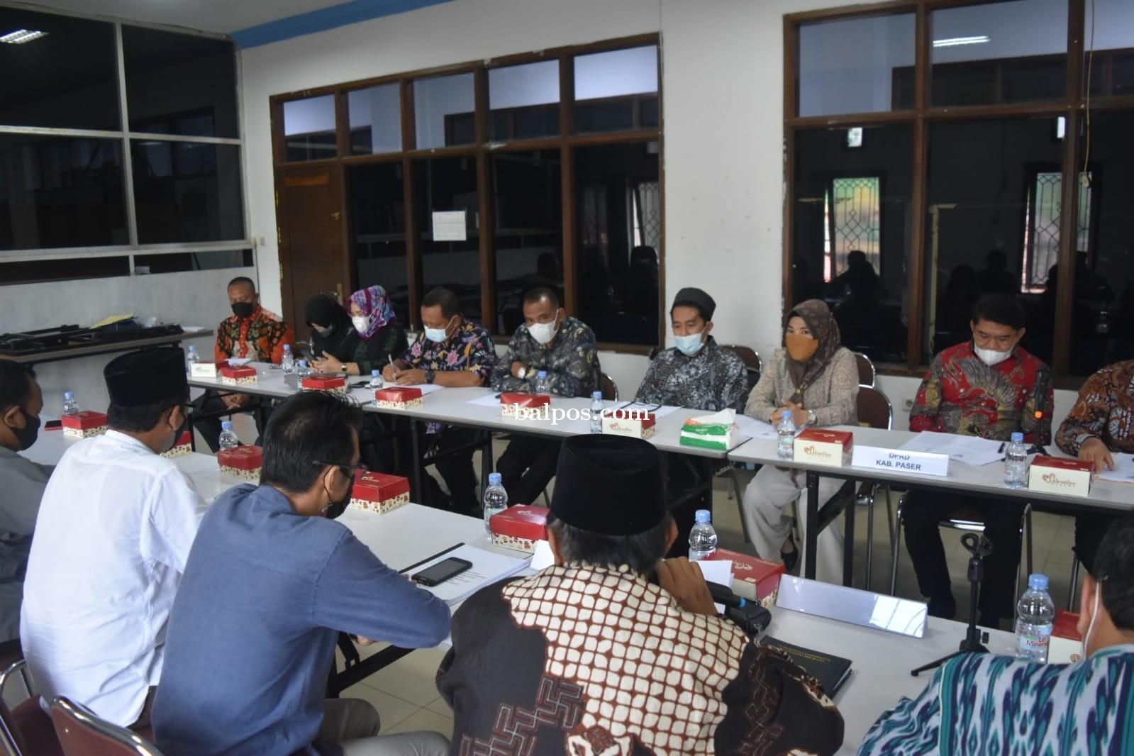 DPRD Paser Kunjungi Disdikbud Kukar