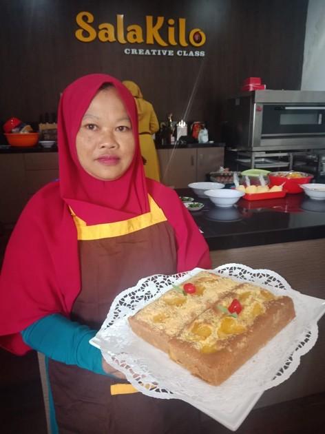 Kusyani, Sehari Rata-Rata Terima Order 200 Kue